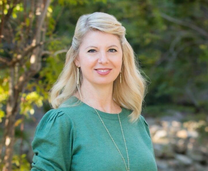 Close up photo of Noble Aim consultant Laura Bogardus